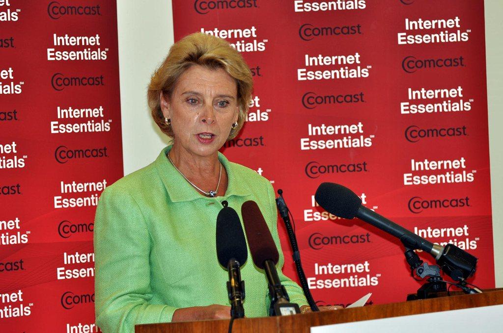 Gov Gregoire at Internet Essentials event
