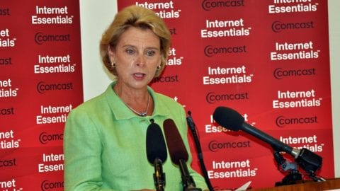 Gov Gregoire at Internet Essentials event